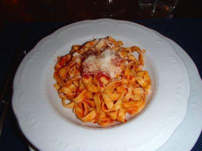 La Fettuccine al sugo di pomodoro & basilico
